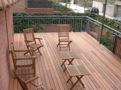 Precio en espa a de m de tarima maciza para exterior - Barnizar madera exterior ...